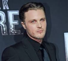 Michael Pitt playing the Laughing man