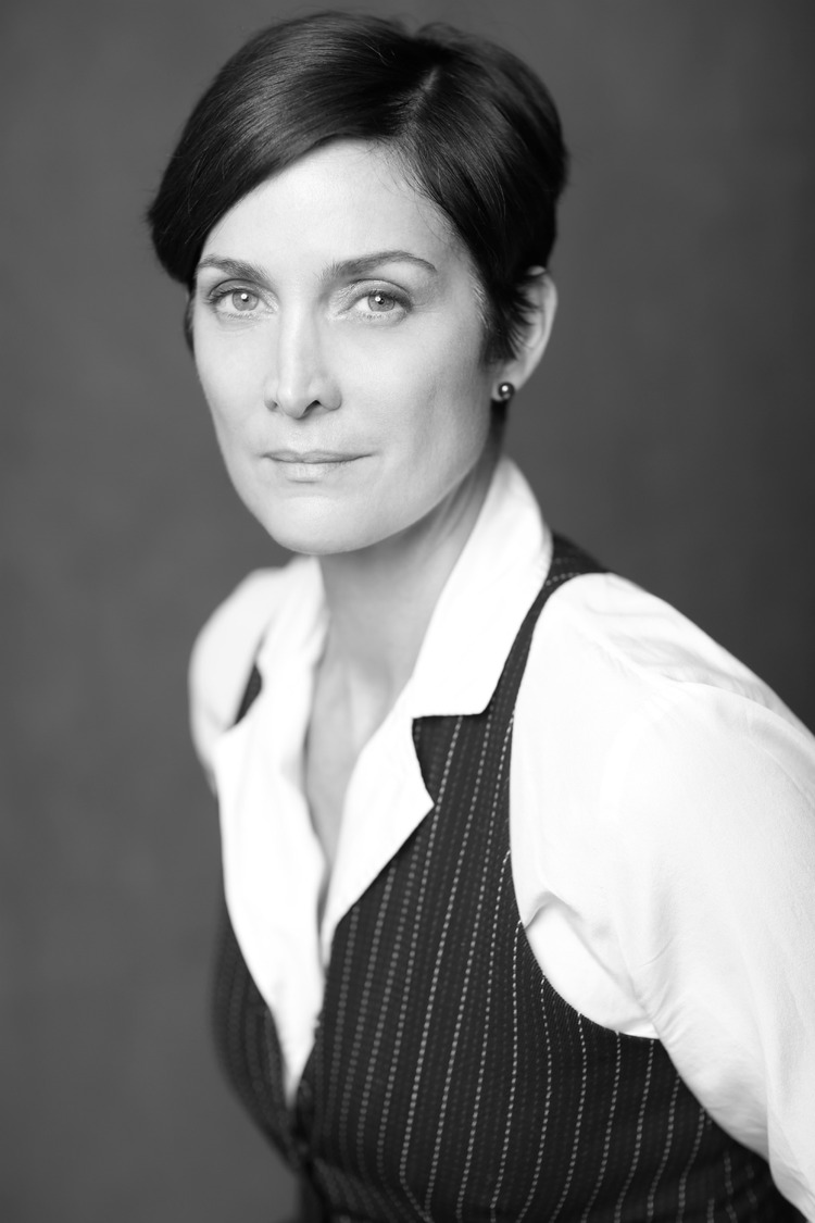 Carrie-Anne Moss Nude Photos 43